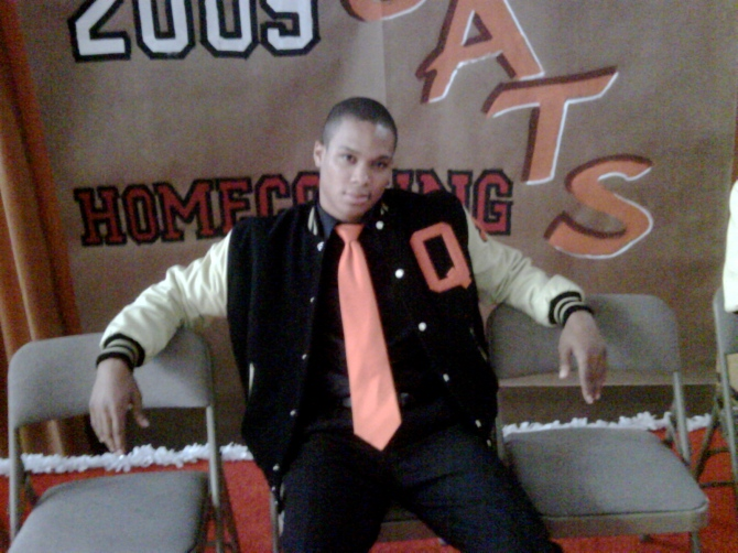 Ray on the set of Ugly Betty